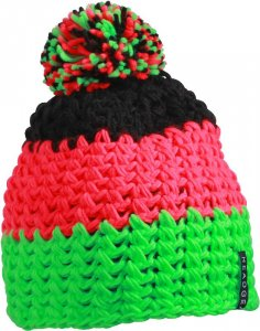 3-colour crocheted hat with pompon